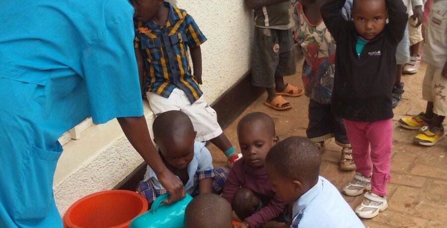 Luce e acqua a Kibaya – Progetto Rwanda